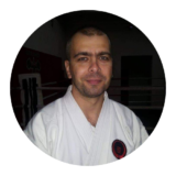 Sensei Nyesti Csaba, membru în echipa GRAB, oferă cursuri de autoapărare gratuite în Satu Mare